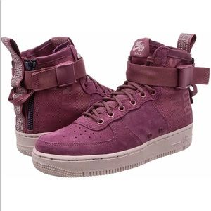 Nike SF AF1 Mid Sneakers Force is Female Wine NEW